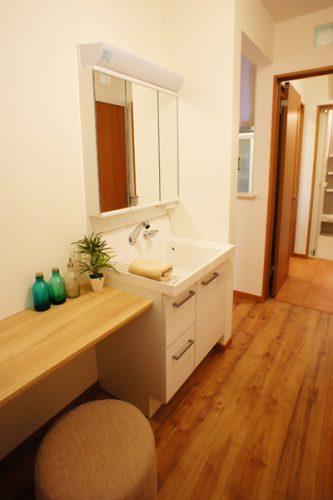 明るいサンルームのある家 - 施工例・お客様の声 | 小野田産業